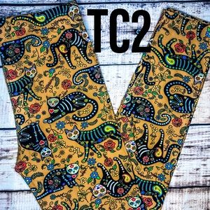 TC2 Extra Plus Sugar Skulls Cat Leggings NWT
